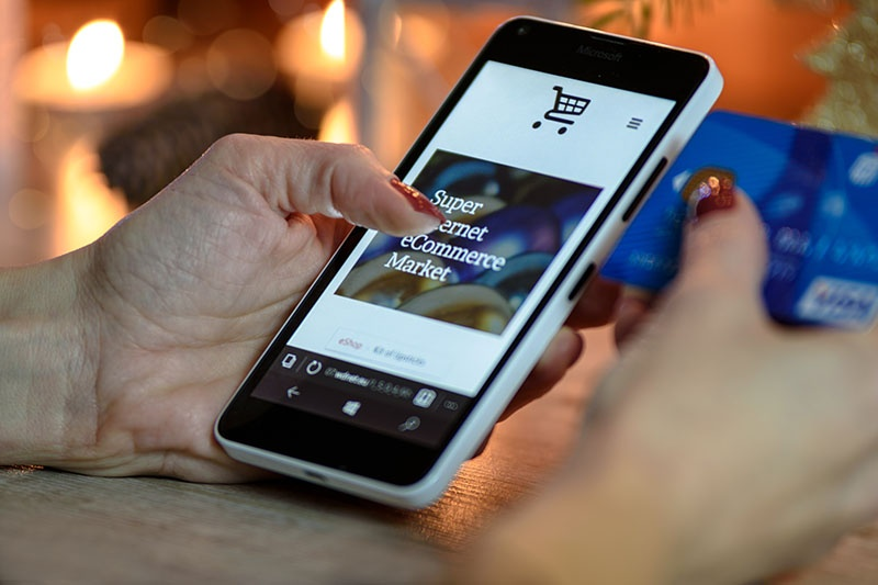 Hjelp på nettet er vesentlig mer effektivt, og billig driftet enn mange ansatte på kundeservice