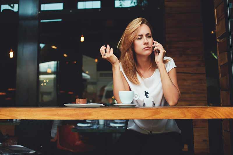 Dropp telefonkøen, og la kunden hjelpe seg selv