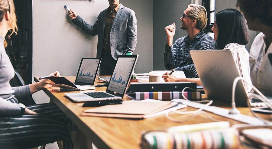 forretningsmodellen til mange bedrifter kommer til å måtte undergå en revisjon i året som kommer. Nye krav fra kundene vil føre til endring