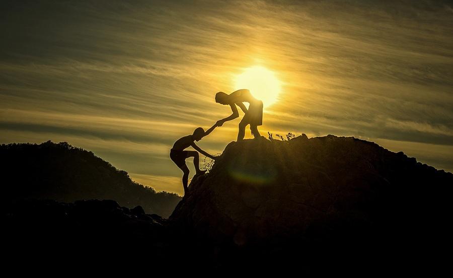 Teambuilding handler om å vokse sammen som et team. Dette vil kunne påvirke resultatene og samholdet på arbeidsplassen