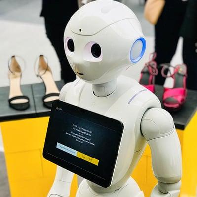 Robotisering innen kundeservice kommer til å øke i omfang, men om vi burde frykte for jobbene våre er heller uvisst