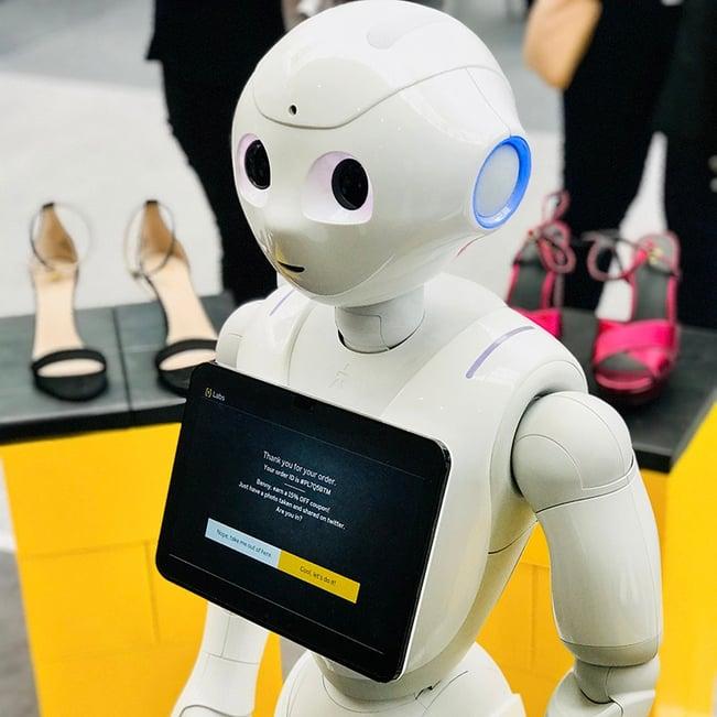 Roboten Pepper var representert på eCommerce expo i London som ProffCom deltok på