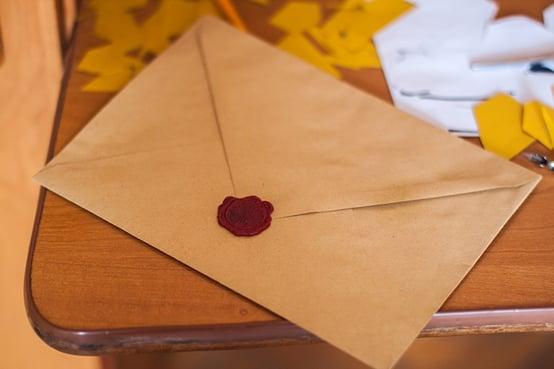 Kundelojalitet kan lett ivaretas med enkle grep. Som for eksempel å sende et brev til en kunde ved spesielle anledninger