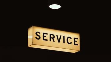 Opplevd servicenivå kan fort påvirke om dine kunder ønsker å bli værende hos deg, eller om de kommer til å finne seg en ny leverandør