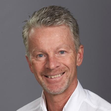 robert gati er salgsdirektør i ProffCom. Her jobber han for å hente inn nye kunder til bedriften