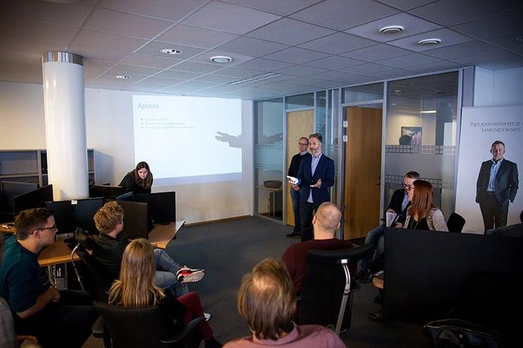 På onsdag ble det arrangert DN-kickoff hos ProffCom i Tønsberg. Vi fikk besøk av en rekke personer med ulike funksjoner i Dagens Næringsliv, slik at våre kundeservice- og salgsteam for DN fikk et enda bedre innblikk i avisen.
