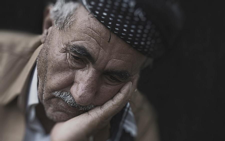 elder-elderly-frustrated-9824
